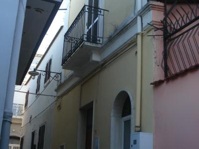 Casa indipendente ristrutturata Ceglie del Campo