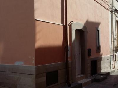 Casa indipendente ristutturata con terrazzo di proprietà
